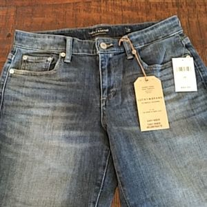 Lucky Brand Jeans size 28 brand new with tags